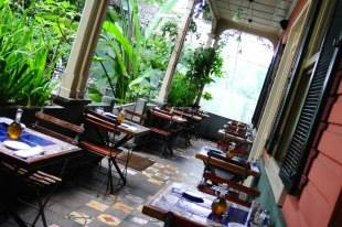 Cafe Mundo Bar and Restaurant in San José - Pura Vida Guide Costa Rica