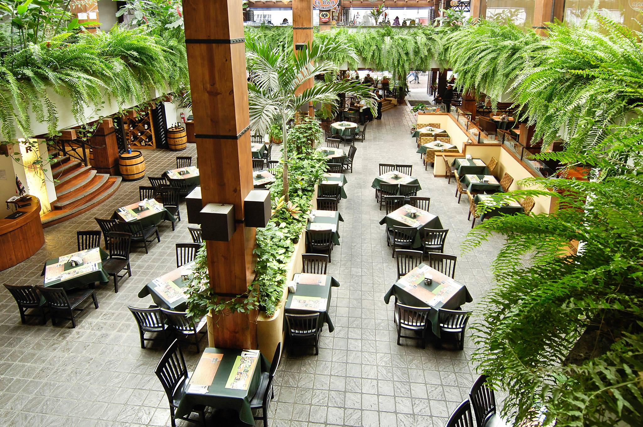 El Patio Del Balmoral Restaurant In San Jose Pura Vida